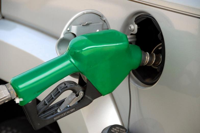 Benzinska pumpa 7