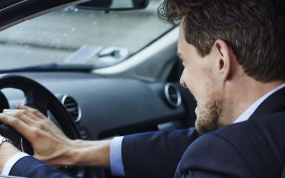 Kada je dozvoljena upotreba sirene u saobraćaju?